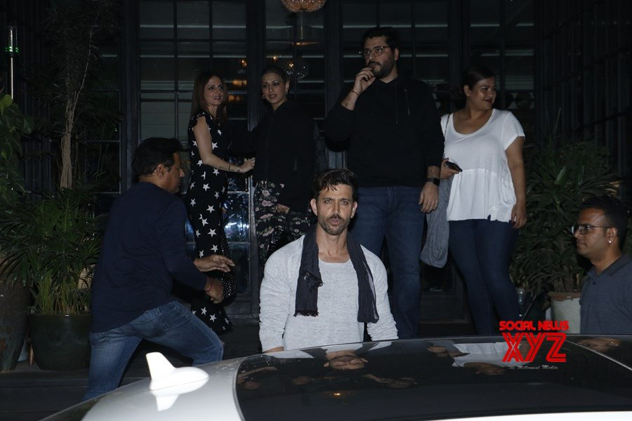 Mumbai: Hrithik celebrates birthday with Sussanne, Sonali and Goldie #Gallery