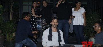 Mumbai: Actor Hrithik Roshan celebrates his birthday with ex-wife Sussanne Khan, actress Sonali Bendre and Goldie Behl in Mumbai on Jan 10, 2019. (Photo: IANS)