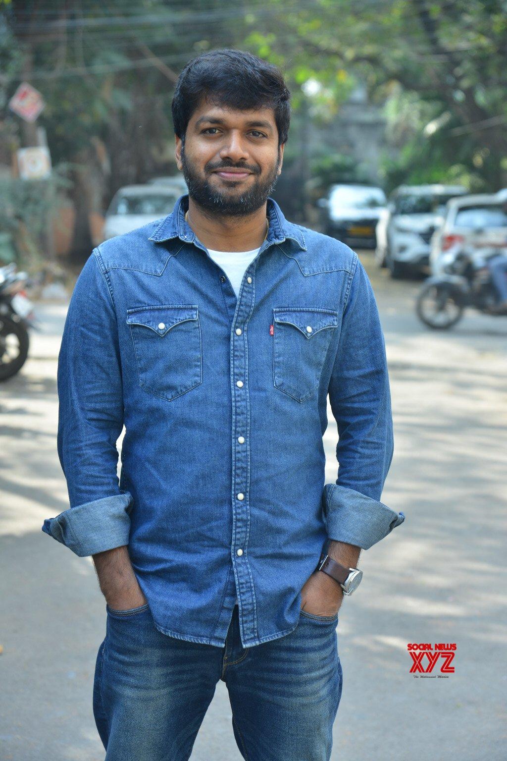 Anil Ravipudi Stills From F2 Movie Interview
