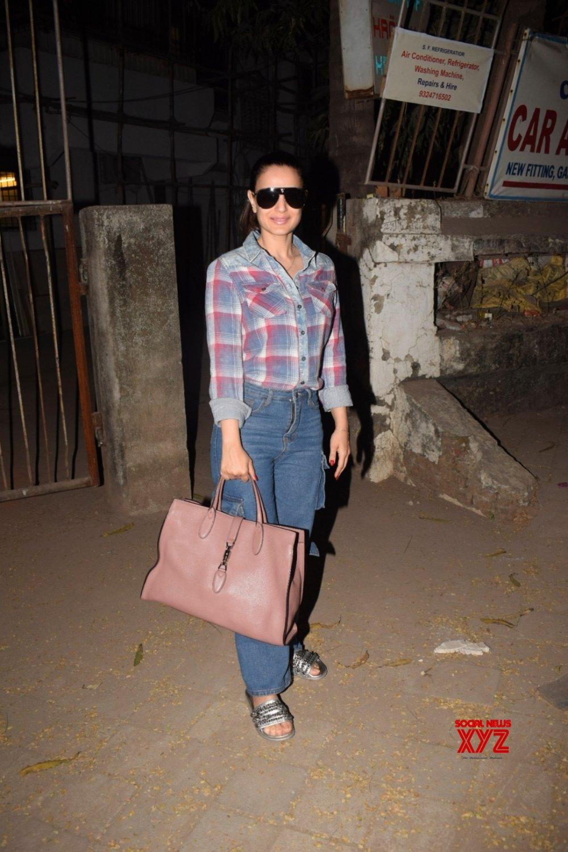 Mumbai: Ameesha Patel seen at Juhu #Gallery