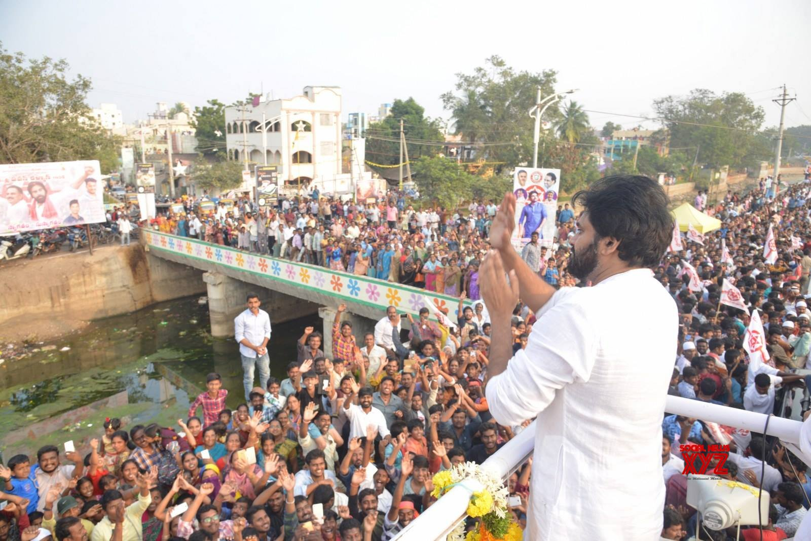 JanaSena Chief Pawan Kalyan Rally In Tenali Gallery Set 3