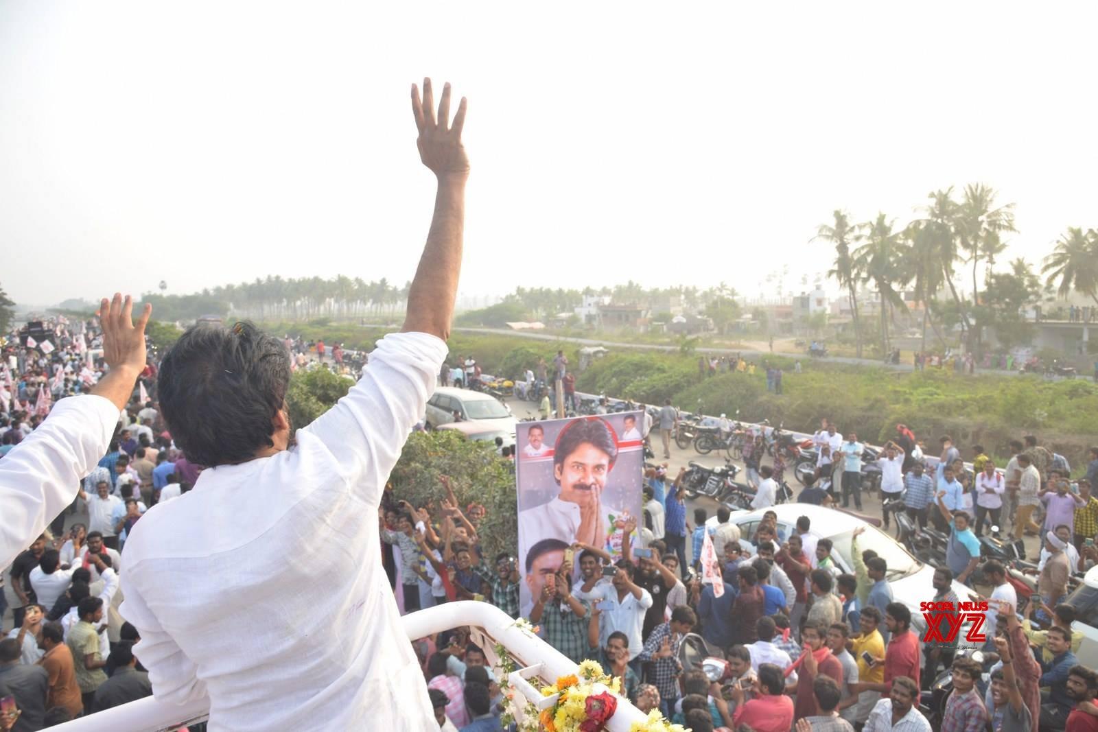 JanaSena Chief Pawan Kalyan Rally In Tenali Gallery Set 3