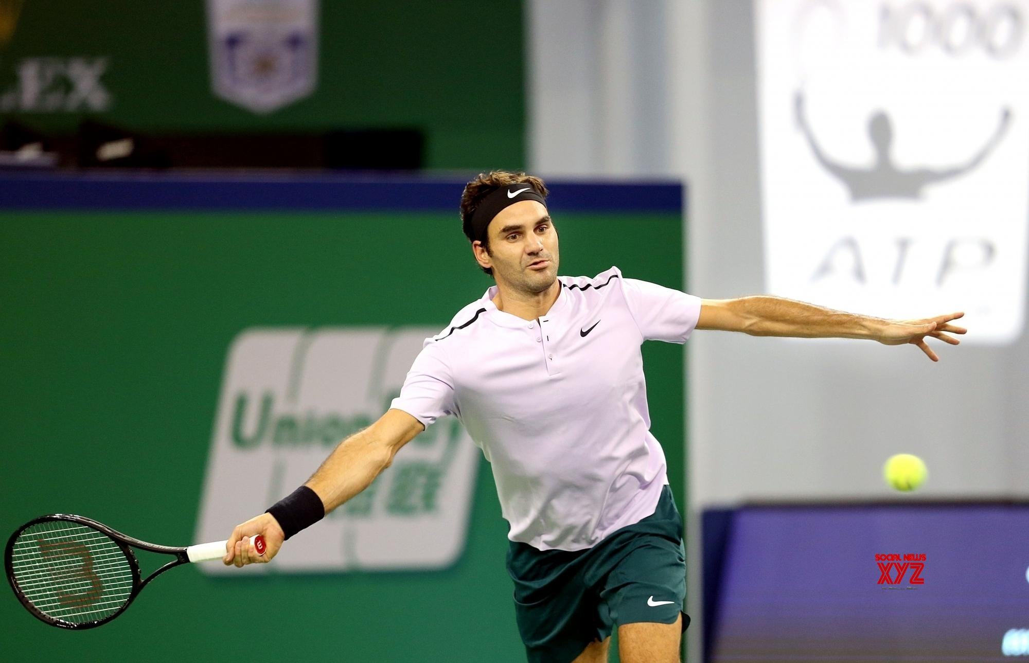 Federer kicks off Rome Open run with victory