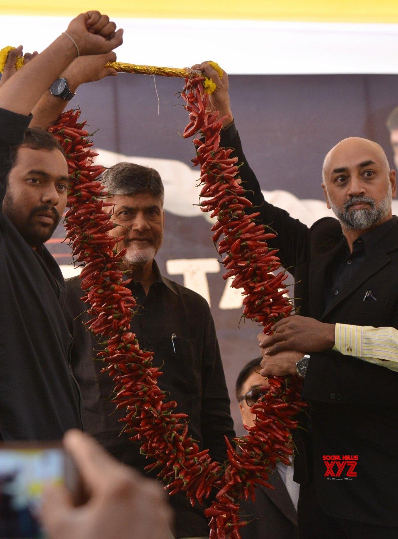 New Delhi: Andhra CM begins fast in Delhi for special status #Gallery