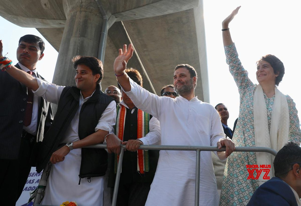 Lucknow: Rahul, Priyanka during Congress road show (Batch - 1) #Gallery