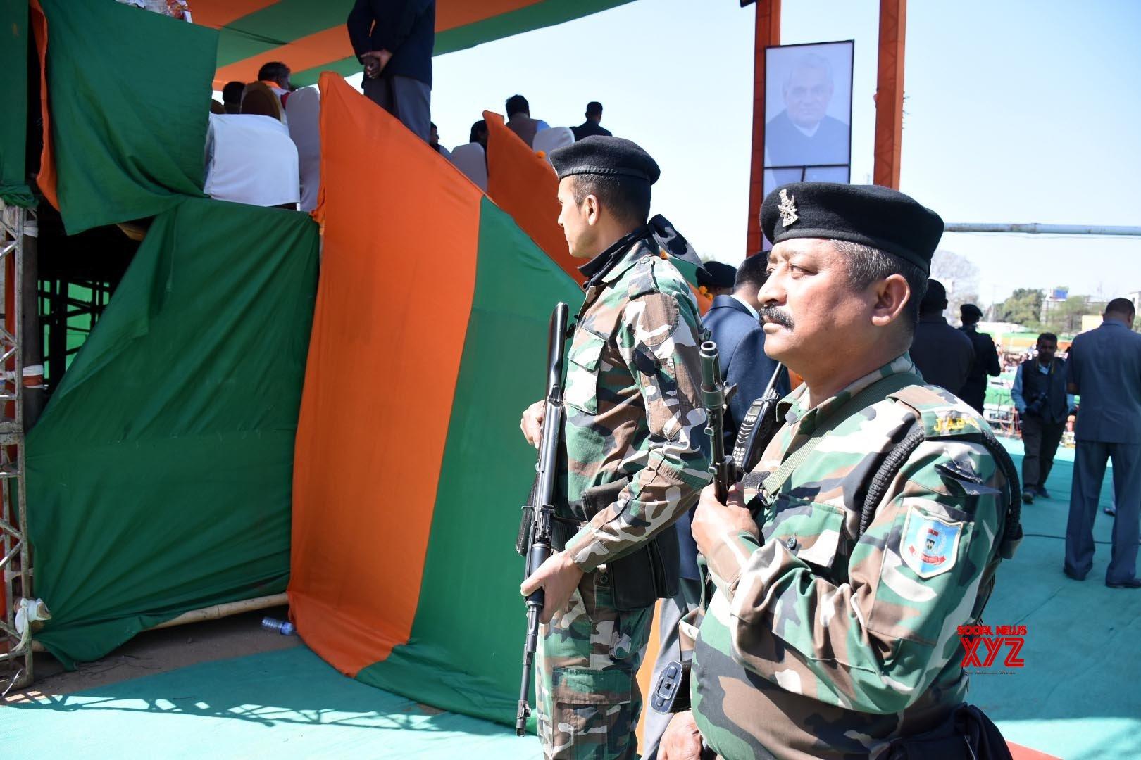 Ranchi: 70,000 Jharkhand policemen start agitation for seven - point demand #Gallery