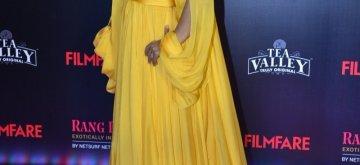 Mumbai: Actress Kajol on the red carpet of Filmfare Glamour And Style Awards 2019, in Mumbai on Feb 11, 2019. (Photo: IANS)