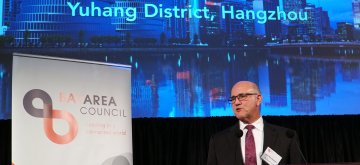 (190215) -- SAN FRANCISCO, Feb. 15, 2019 (Xinhua) -- Jim Wunderman, president and CEO of the Bay Area Council, speaks at the council's ninth annual Chinese New Year reception to celebrate the Year of the Pig in China's lunar calendar, in San Francisco, the United States, Feb. 13, 2019. (Xinhua/Wu Xiaoling)
