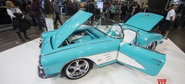 TORONTO, March 10, 2019 (Xinhua) -- People visit the 2019 Toronto Motorama Custom Car & Motorsports Expo in Toronto, Canada, March 9, 2019. Featuring about 400 custom cars, hot rods, imports and race cars, the annual event was held from March 8 to 10 in Toronto. (Xinhua/Zou Zheng/IANS)