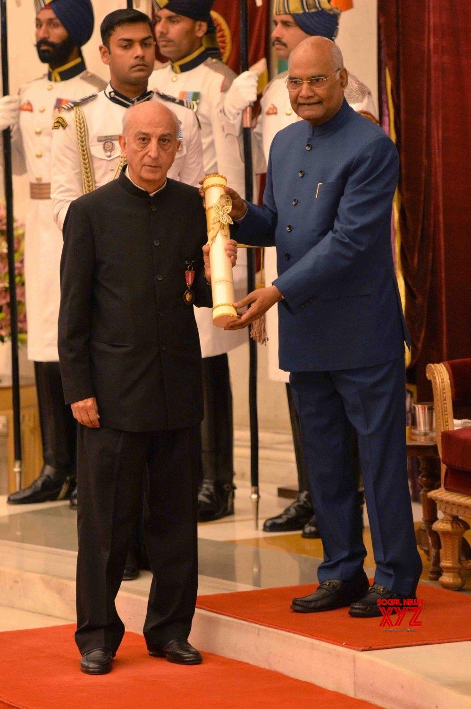 New Delhi: President Kovind presents Padma Awards - Vijay Krishan Shunglu #Gallery