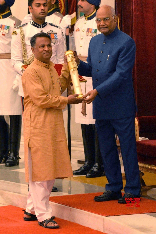 New Delhi: President Kovind presents Padma Awards - Fayaz Ahmad Jan #Gallery