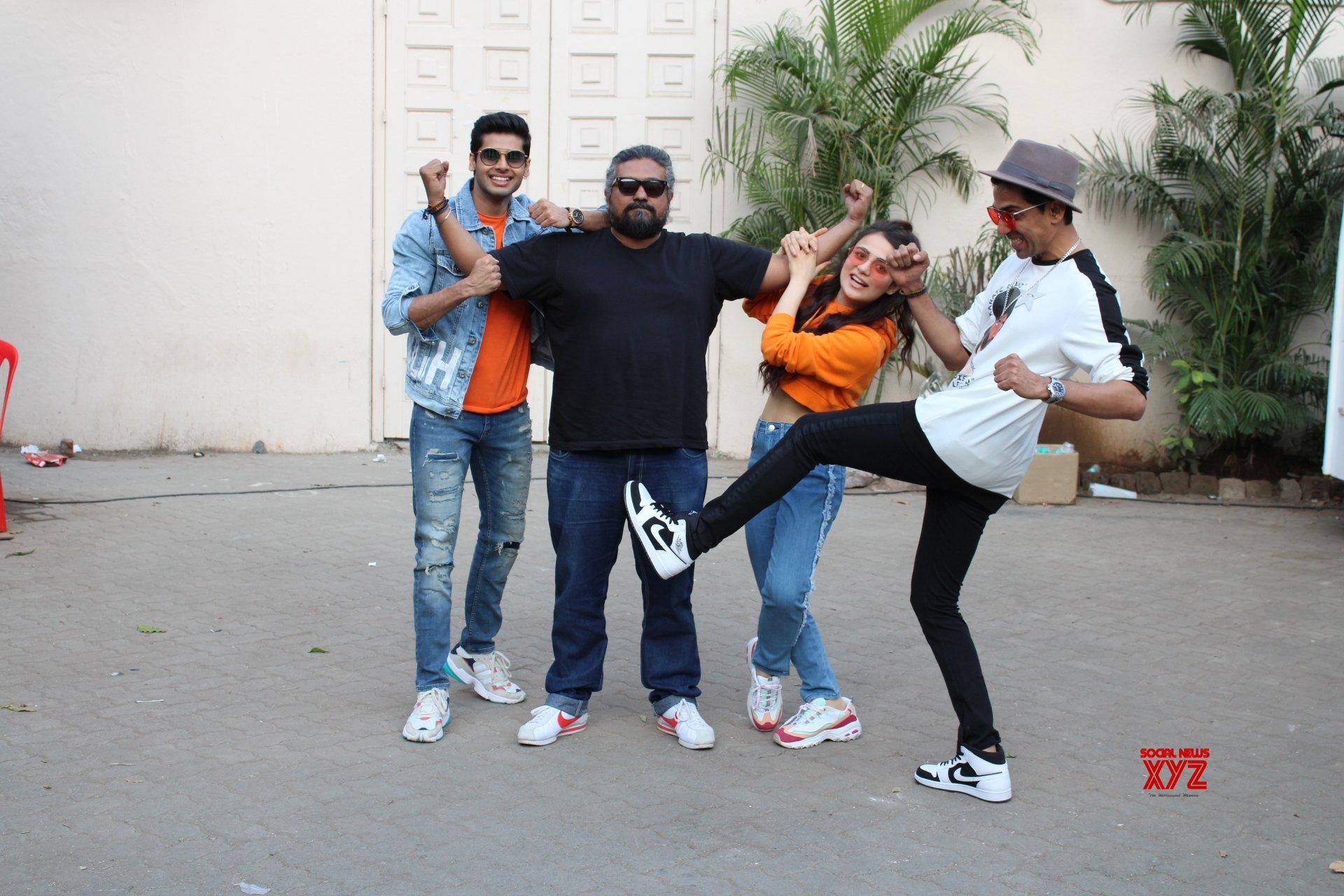 """Mumbai: """"Mard Ko Dard Nahi Hota"""" promotion - Gulshan Davaiya, Abhimanyu Dasani, Radhika Madan, Vasan Bala #Gallery"""
