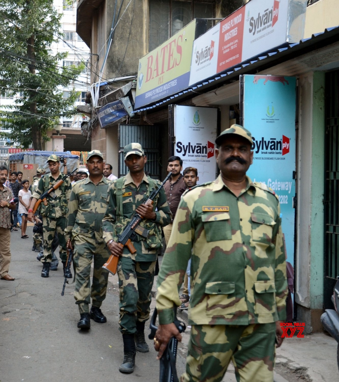 Kolkata: 2019 Lok Sabha elections - BSF conducts route march #Gallery