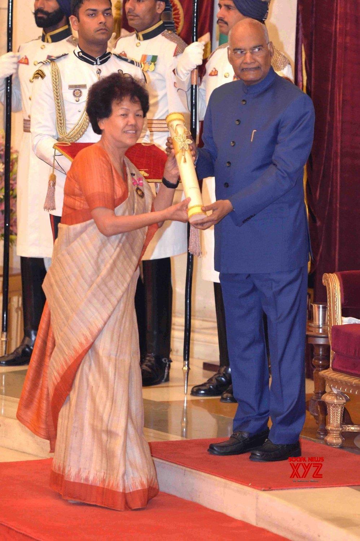 New Delhi: President Kovind presents Padma Awards - Bachendri Pal (Batch 16) #Gallery