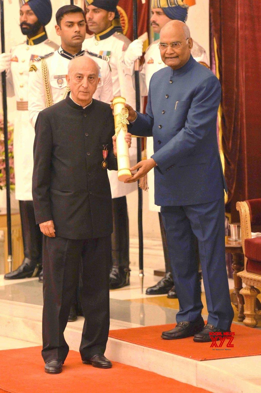 New Delhi: President Kovind presents Padma Awards - Vijay Krishan Shunglu (Batch 9) #Gallery