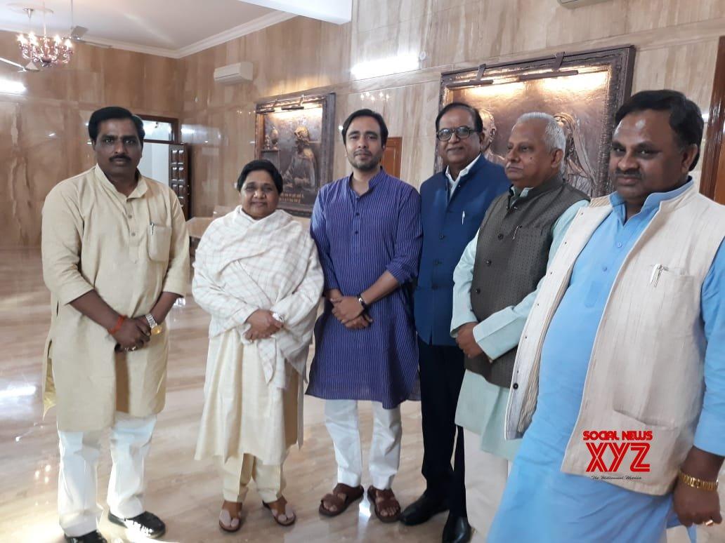 Lucknow: RLD's Jayant Chaudhary meets Mayawati #Gallery