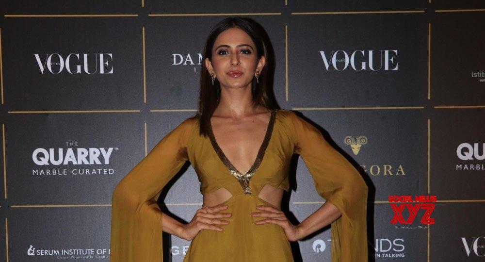 Rakul tests her luck in Bollywood again!