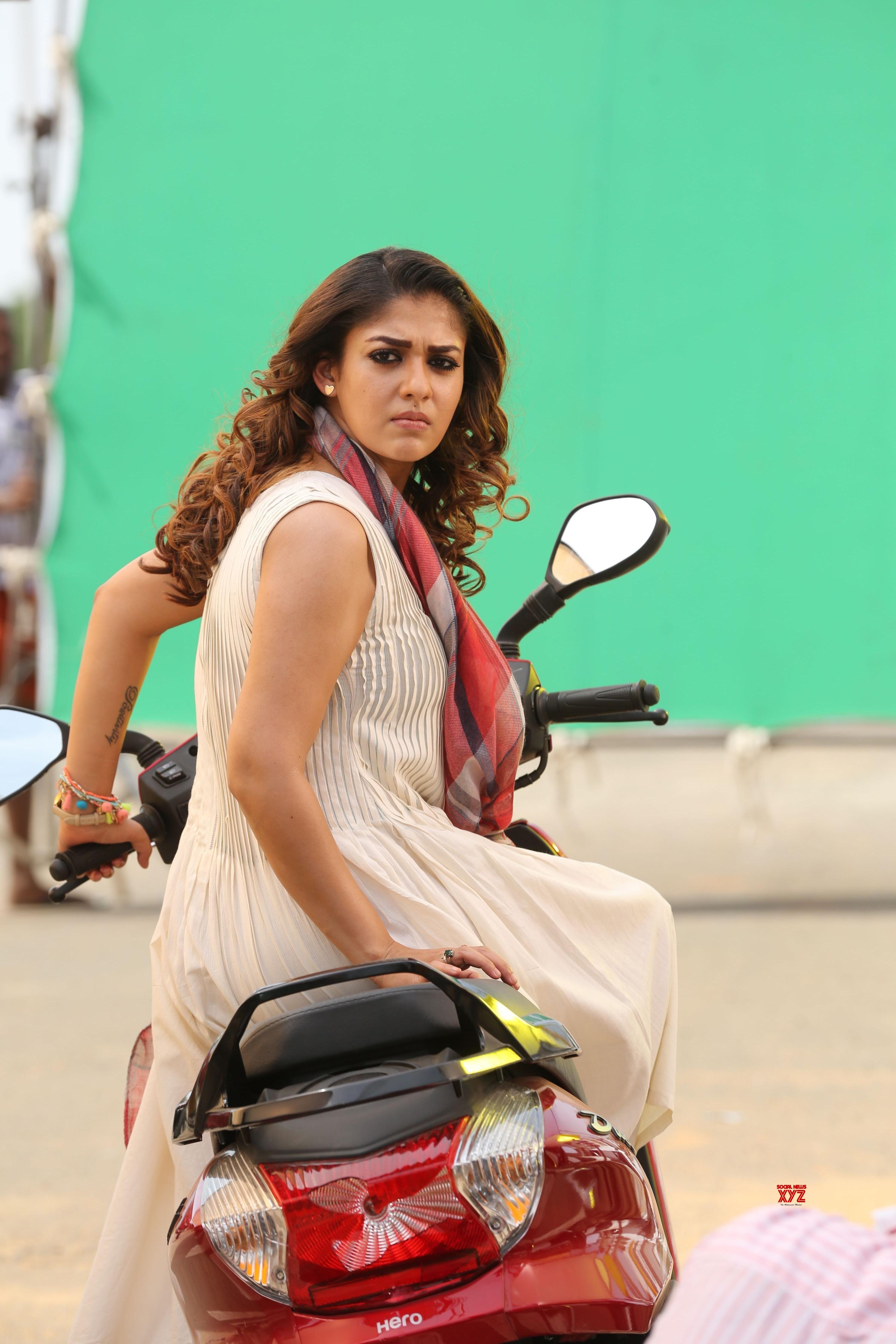 Nayanthara HD Stills From AIRAA Movie