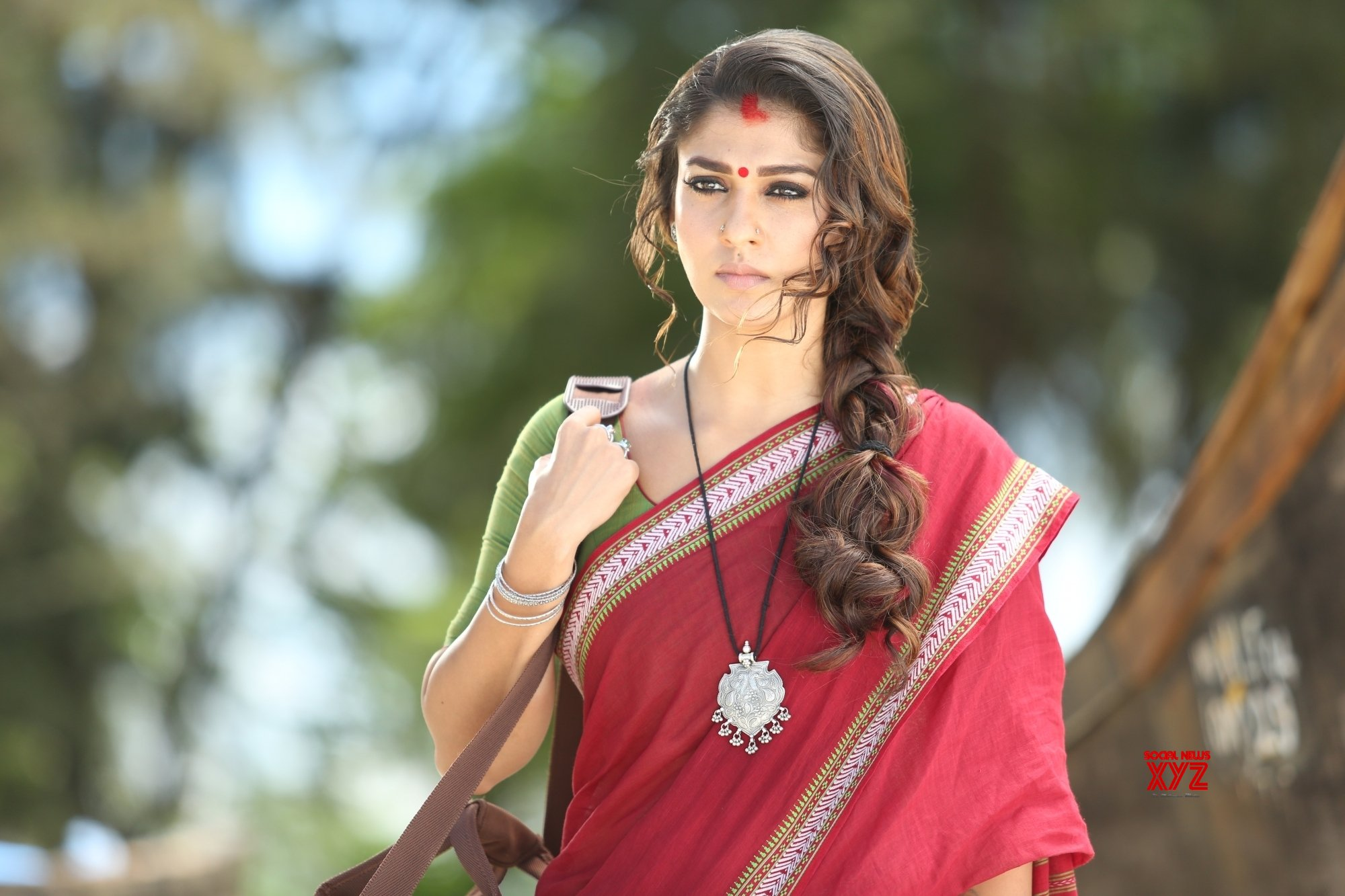 It's Nayanthara vs Samantha in 'Kaathu Vaakula Rendu Kadhal'