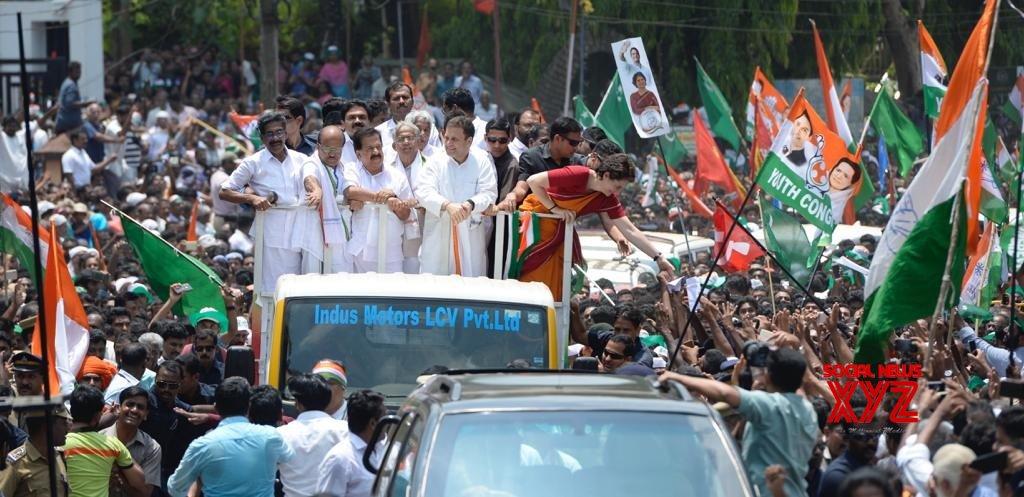 राहुल गांधी कांग्रेस रोड शो केरल