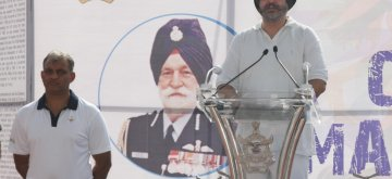 New Delhi: Air Chief Marshal B.S. Dhanoa addresses during a programme, organised to host 'Half Marathon' as part of centenary celebrations of the Indian Air Force (IAF) Marshal Arjan Singh, in New Delhi, on April 14, 2019. (Photo: IANS/DPRO)