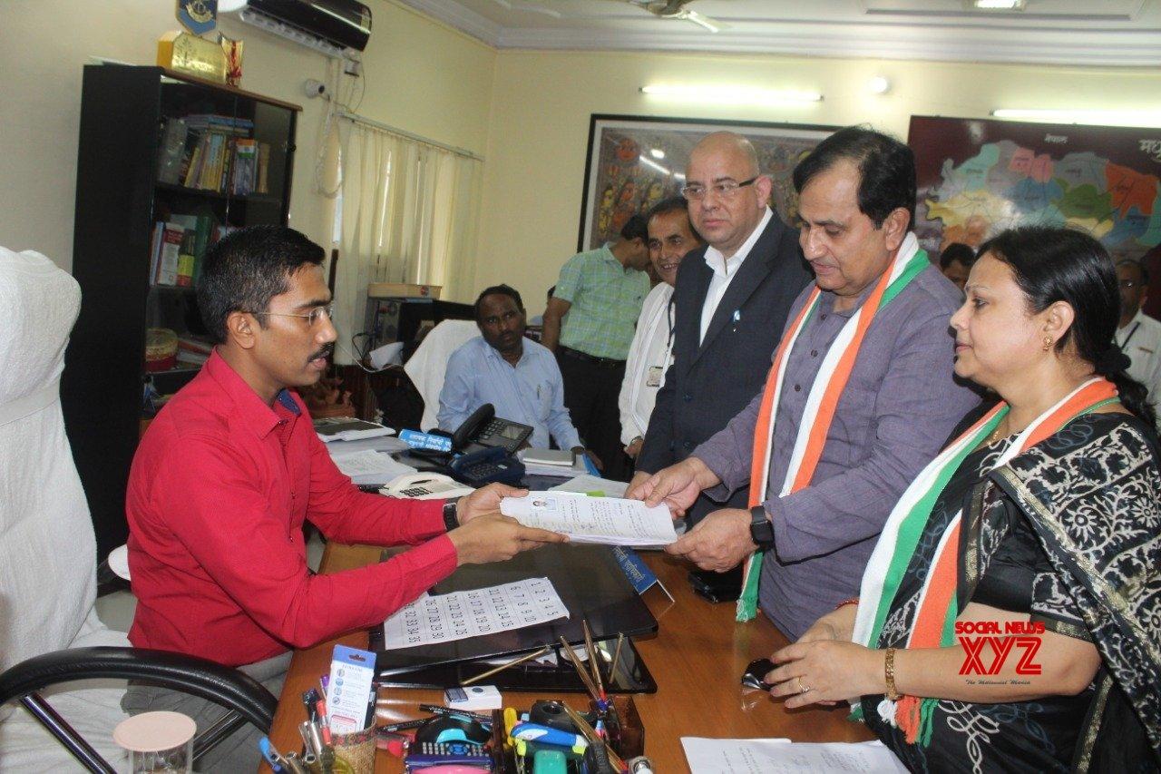 Patna: 2019 Lok Sabha elections - Shakeel Ahmad files nomination #Gallery