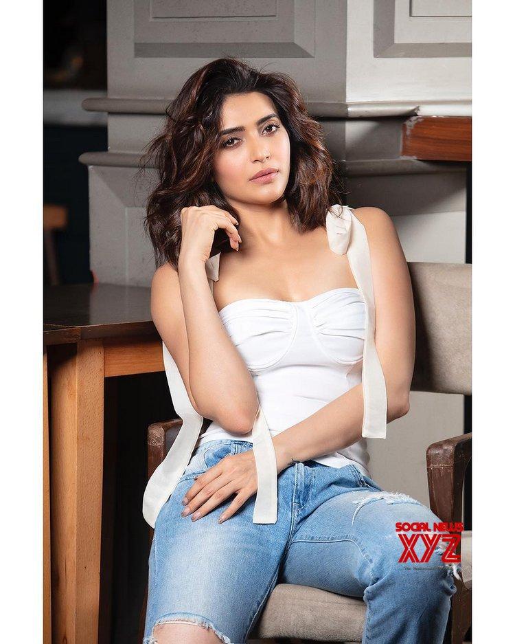 Actress Karishma Tanna Beautiful Stills