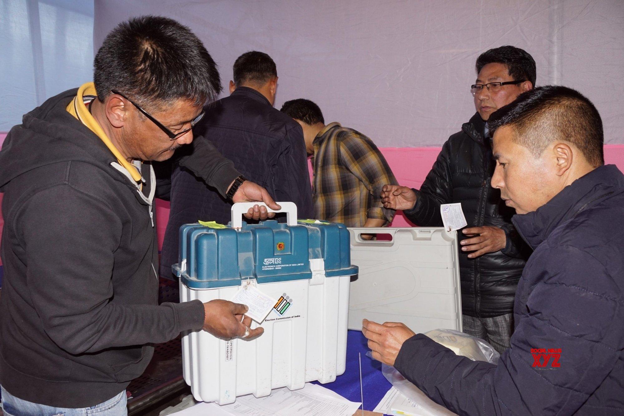 Darjeeling: Polling distribution centre #Gallery