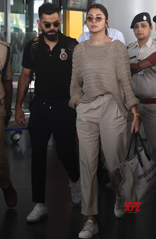 Kolkata: Virat Kohli, Anushka Sharma at Kolkata Airport #Gallery