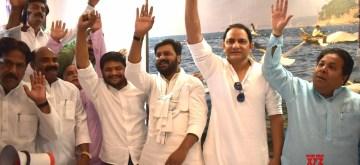 Prayagraj: Congress leaders Hardik Patel, Mohammad Azharuddin and Rajeev Shukla during an election campaign for the forthcoming Lok Sabha polls, in Prayagraj on May 10, 2019. (Photo: IANS)