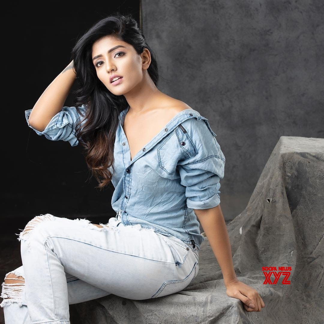 Actress Eesha Rebba Latest Hot And Glam Stills