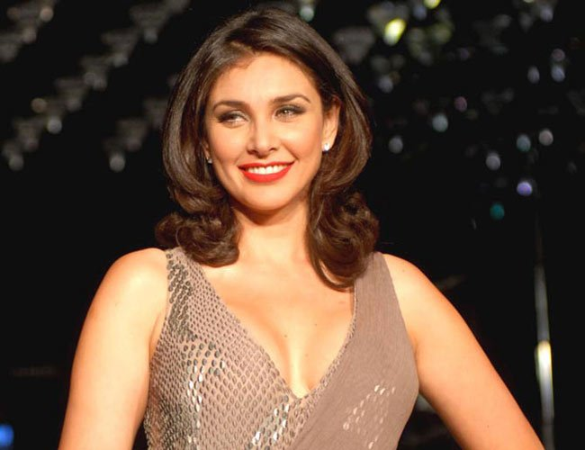 Lisa Ray's Lesbian Story Is Out