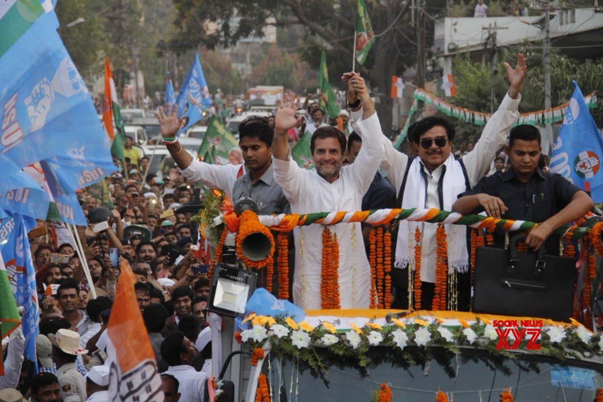 Patna: Rahul Gandhi's roadshow #Gallery