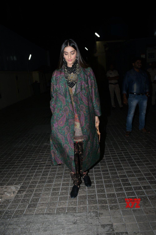 """Mumbai: Film """"India's Most Wanted"""" screening - Sonam Kapoor Ahuja #Gallery"""