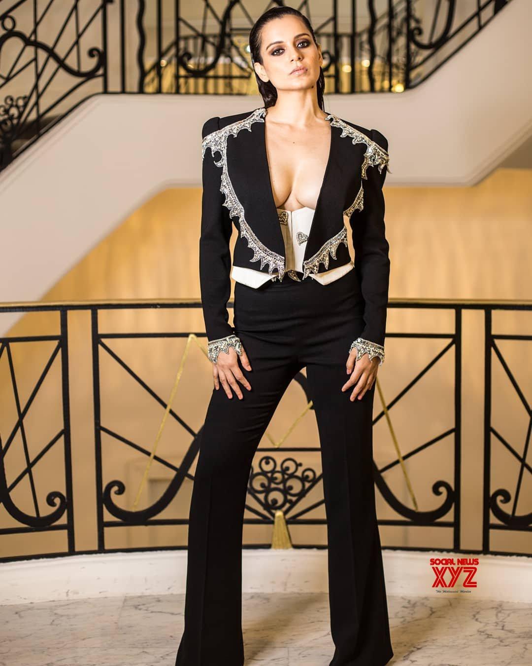 Actress Kangana Ranaut Hot Stills From Grey Goose Party