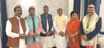 New Delhi: Uttarakhand Chief Minister Trivendra Singh Rawat with the newly elected MPs from the state - Ajay Tamta (Almora), Tirath Singh Rawat (Pauri Garhwal), Ramesh Pokhriyal Nishank (Haridwar), Mala Rajya Laxmi Shah (Tehri) and Ajay Bhatt (Nainital) ahead of the NDA Parliamentary Board meeting in New Delhi on May 25, 2019. (Photo: IANS)