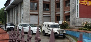 Srinagar: Income Tax raids underway at one of the private offices of Srinagar's Deputy Mayor Sheikh Imran, on June 11, 2019. According to informed sources, the team carried out raids at the offices located in the Old City's Bohri Kadal area and Nowgam in the outskirts of the city. (Photo: IANS)