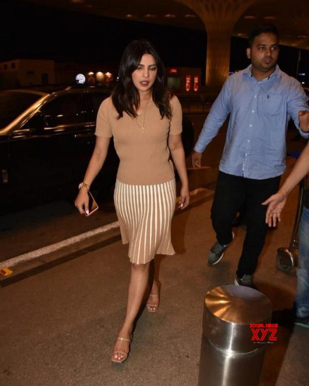 Mumbai: Priyanka Chopra seen at Mumbai Airport #Gallery