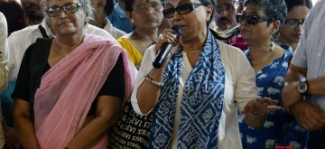 Kolkata: Actress Aparna Sen addresses the junior doctors who are on a strike to protest the alleged assault on their junior colleagues at NRS Medical College in Kolkata on June 14, 2019. (Photo: Kuntal Chakrabarty/IANS)