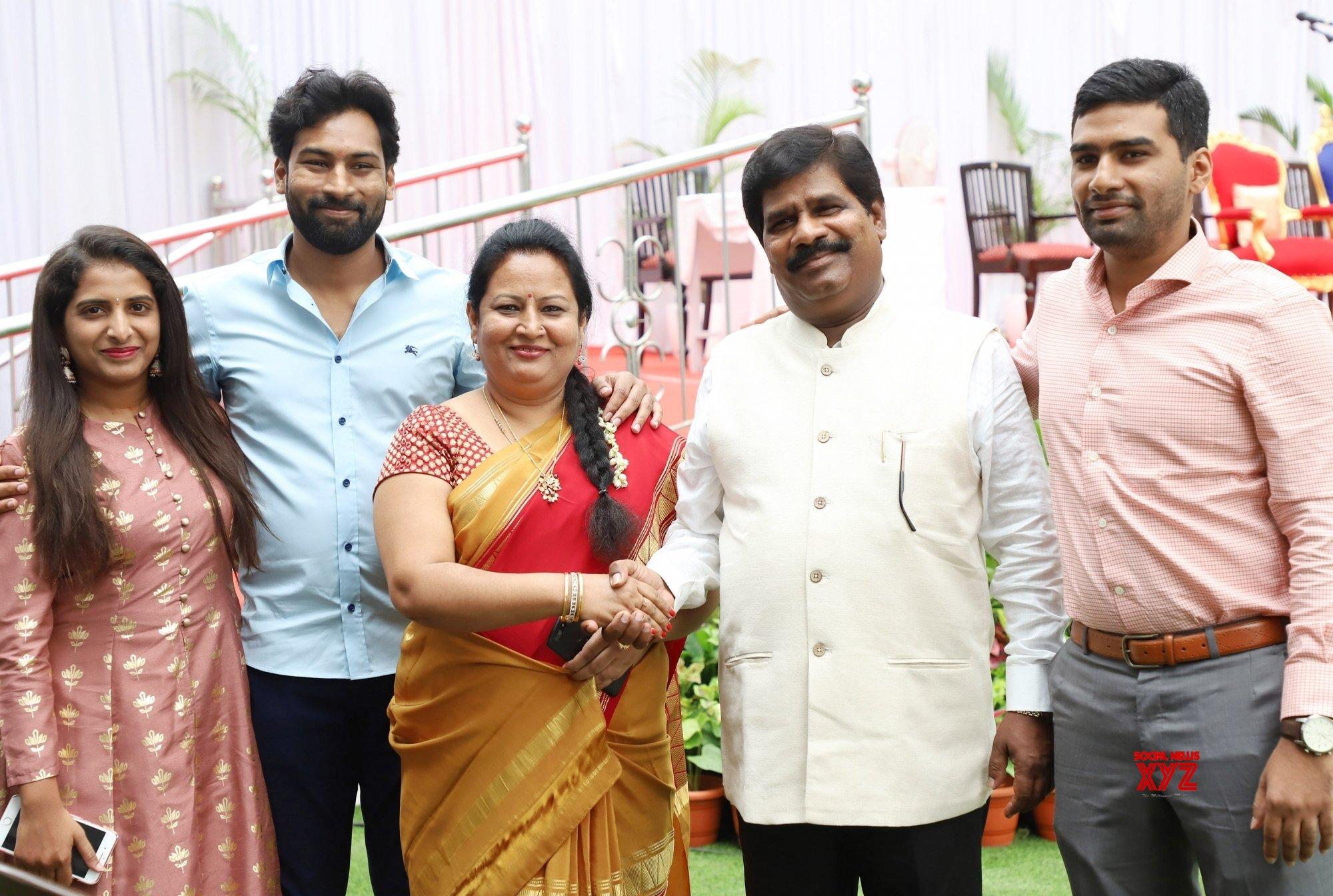 Bengaluru: 2 ministers inducted in Karnataka Cabinet #Gallery