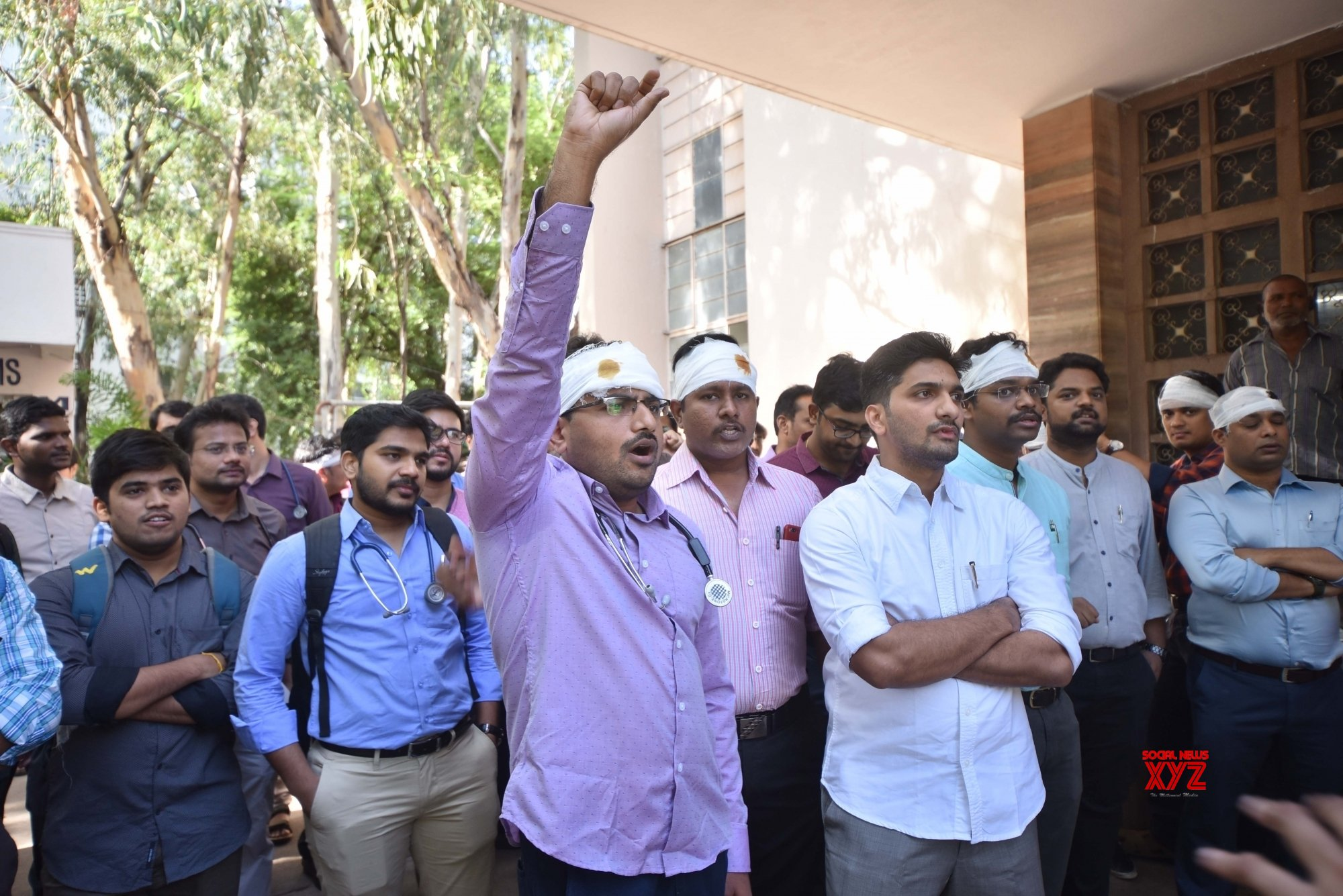 Hyderabad: Medicos of NIMS protest against attack on doctors #Gallery