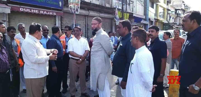 Hyderabad: Asaduddin Owaisi visits Charminar #Gallery