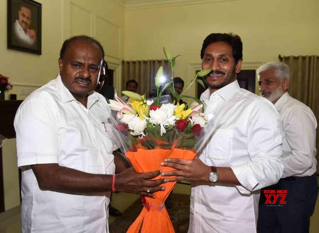 New Delhi: H D  Kumaraswamy meets - Y  S  Jaganmohan Reddy