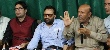 Srinagar: Awami Ittehad Party (AIP) President Sheikh Abdul Rasheed accompanied by Jammu and Kashmir Peoples Movement (JKPM) chairman Shah Faesal and others, addresses a press conference in Srinagar, on June 18, 2019. (Photo: IANS)