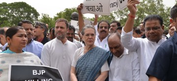 New Delhi: Congress leaders Rahul Gandhi, Sonia Gandhi, A.K. Antony and others stage a demonstration against Karnataka and Goa crisis, outside Parliament House in New Delhi, on July 11, 2019. (Photo: IANS)