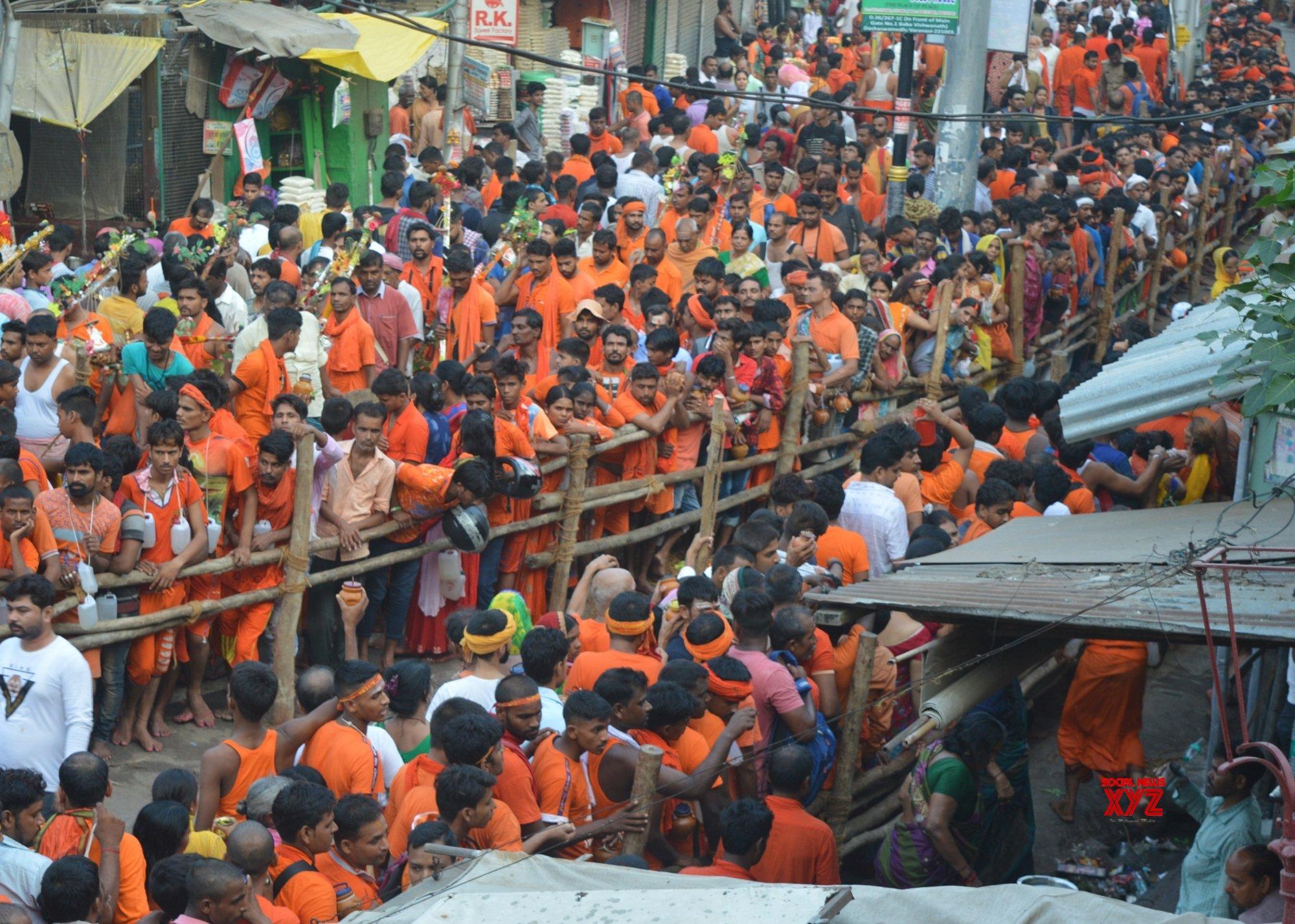 Varanasi: First Monday of 'Sawan' - Kanvariyas throng Kashi