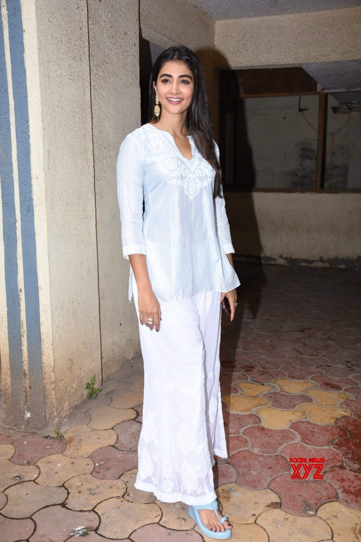 Mumbai: Pooja Hegde seen at Bandra #Gallery
