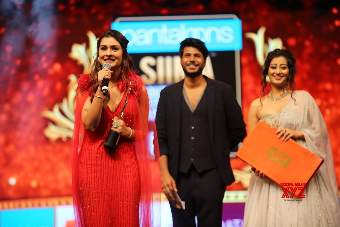 Payal Rajput Wins Best Debut Actor Female Telugu For RX 100 At SIIMA Awards 2019