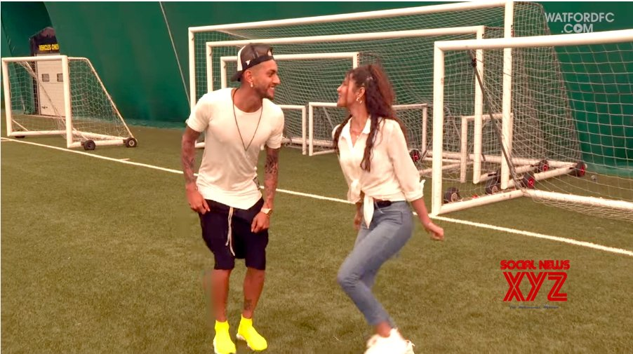 "Watford FC's Pereyra grooves to SRK's ""Baazigar"" beats"