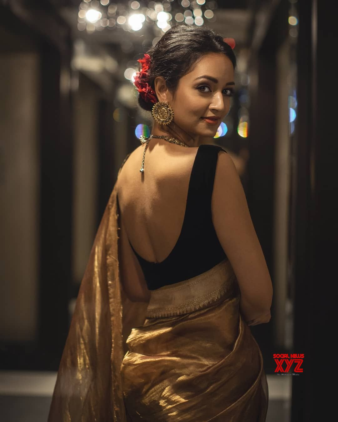 Actress Shanvi Srivastava Elegant Stills In This Beautiful Saree Social News Xyz